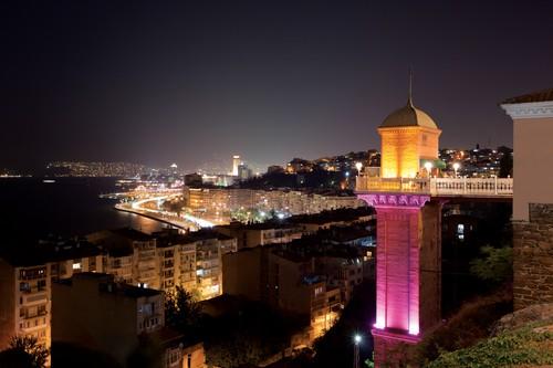 İzmir Asansör , İzmir manzarasını doyumsuz kılan bu yer çok güzel