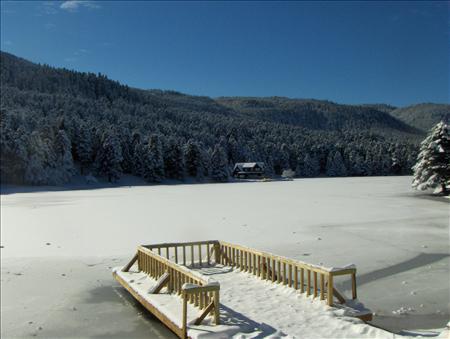Gölcük Gölü (Bolu) Kış Günü Manzarası