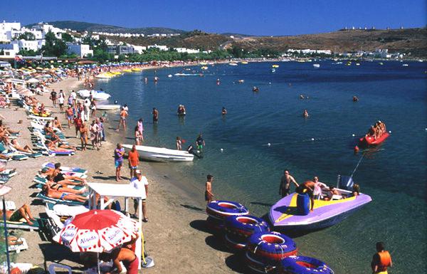 GÜMBET=Restorant ve koylarıyla meşhur olan tatil merkezine ulaşım sadece 5 dk. En meşhur adalara buradan geçiş çok kolaydır.