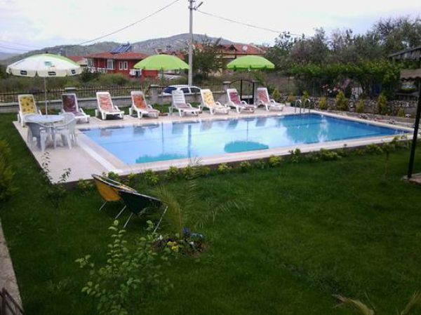 Apart Paradise Garden Havuzu