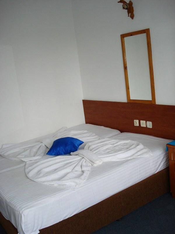 Arya Otel Yatak Odası