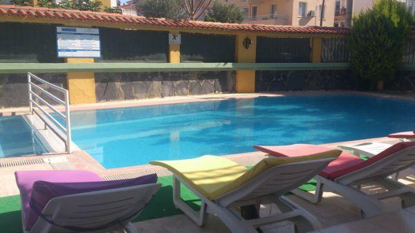 Koz Marigold Apart Otel Açık Yüzme Havuzu