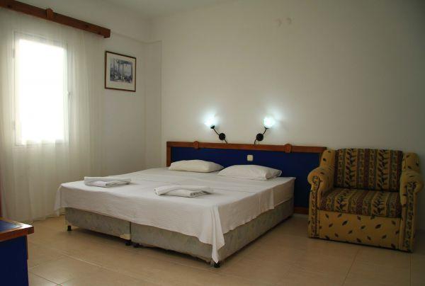 Koz Marigold Apart Otel Yatak Odası