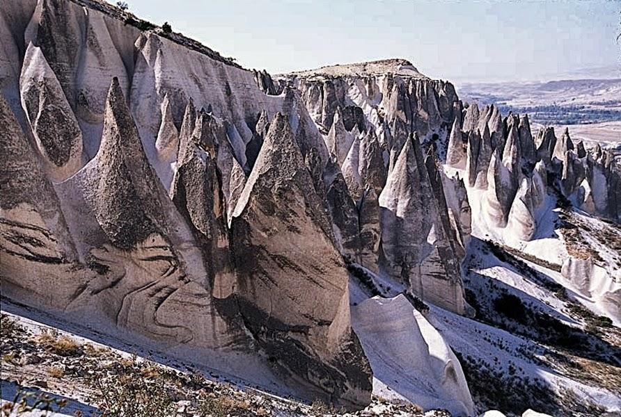Afyonkarahisar Peri Bacaları (İscehisar Kayalıkları)