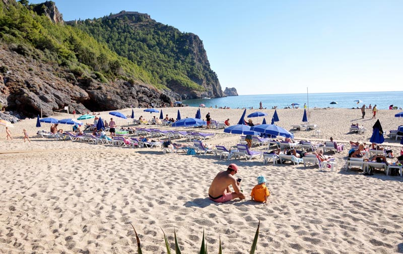 Damlataş Beach:You will like this favourite beach of Alanya which has blue flag and make you feel the sea and sun's taste.