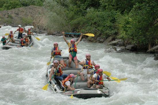 Erzincan Karasuda Rafting