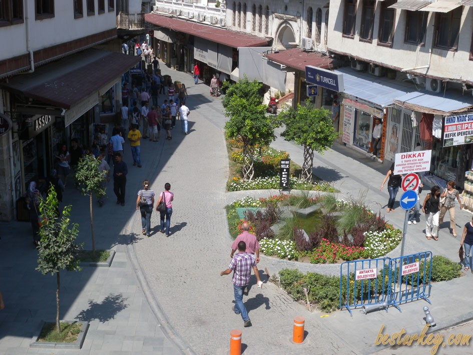 Antakya'nın En Ünlü Caddesi 'Saray'