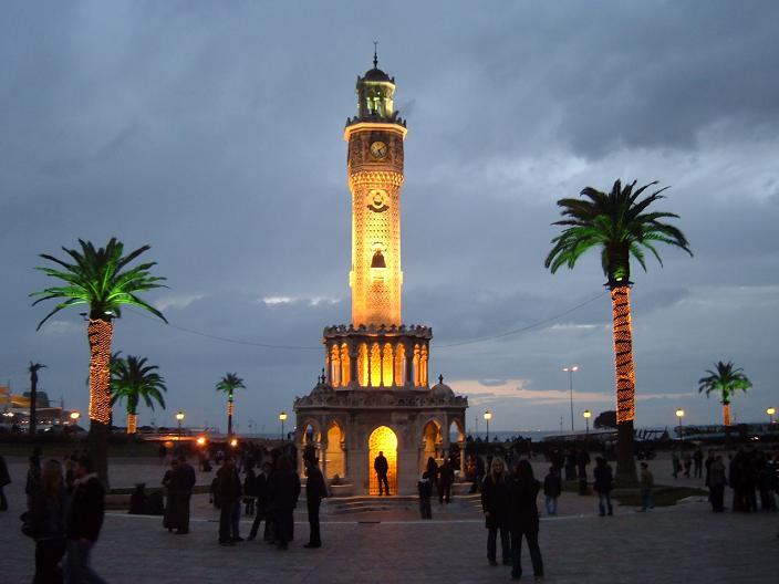 İzmir Saat Kulesi Akşam Manzarası