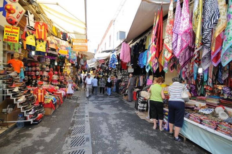 İzmir Tarihi Kemeraltı Çarşısı
