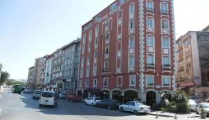 Deniz otel manzarası ve konumu itibariyle Kadıköy'de iyi bir noktadadır. Otelin yaptığı açıklama ise'' ortak kullanım alanlarıyla tamamen yenilenerek hizmetinize sunulmuştur.'' İletişime geçerek Tel 0216 348 7455 0216 345 2088 kalacağınız tarihler arası boş oda durumunu sorgulayabilirsiniz. Otel oda fiyatları ise seçeceğiniz yere göre farklılıklar gösterebilmektedir.