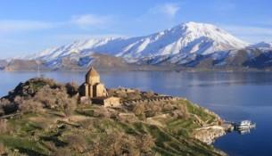 Van Akdamar Kilisesinin Muhteşem Manzarası