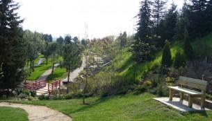 Ailecek güzel bir gün geçirebileceğiniz Nezahat Gökyiğit Botanik Bahçesi ziyaretçilerini beklemektedir.
