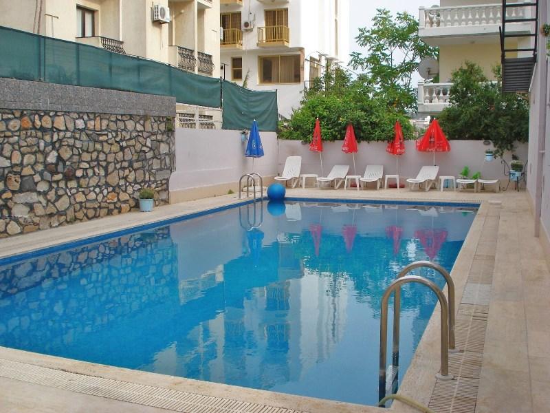 Arya Otel Açık Yüzme Havuzu