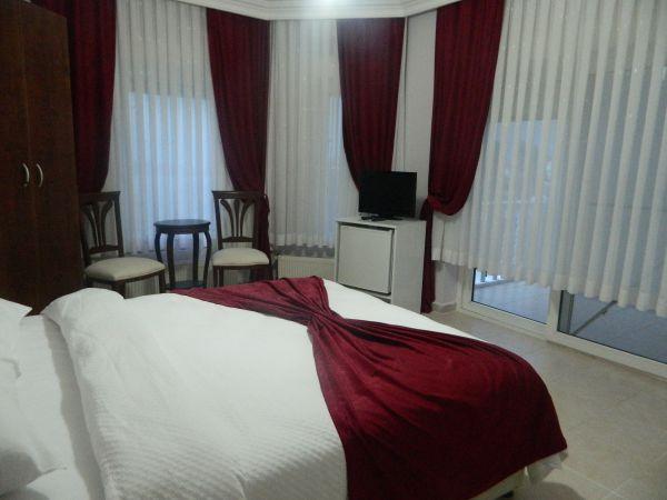 Cunda Aşiyan Pansiyon Yatak Odası