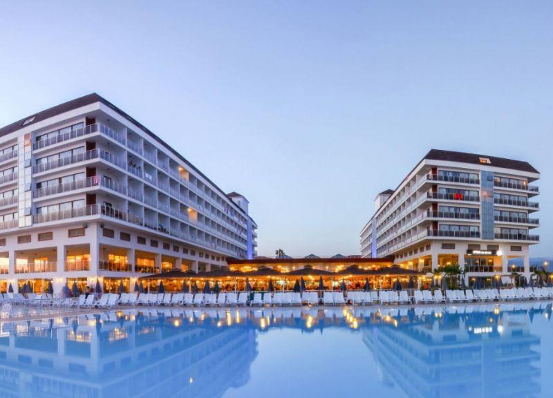 Eftalia Splash Hotel Üç Farklı Havuzu Mevcuttur