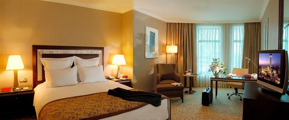 Swissotel Ankara Yatak Odası
