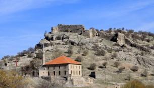 Isparta Uluborlu Kalesi