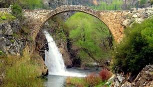 Tarihi Clandras Köprüsü